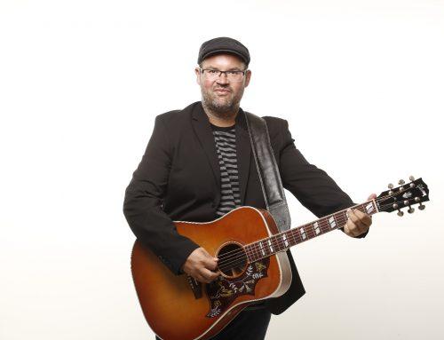 Mitsing-Konzerte einmal anders – Björn Heuser in der Volksbühne