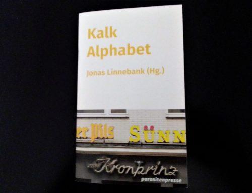 """Rheinerlei liest """"Kalk Alphabet"""""""